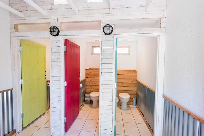 Nyth-Robin-toilets